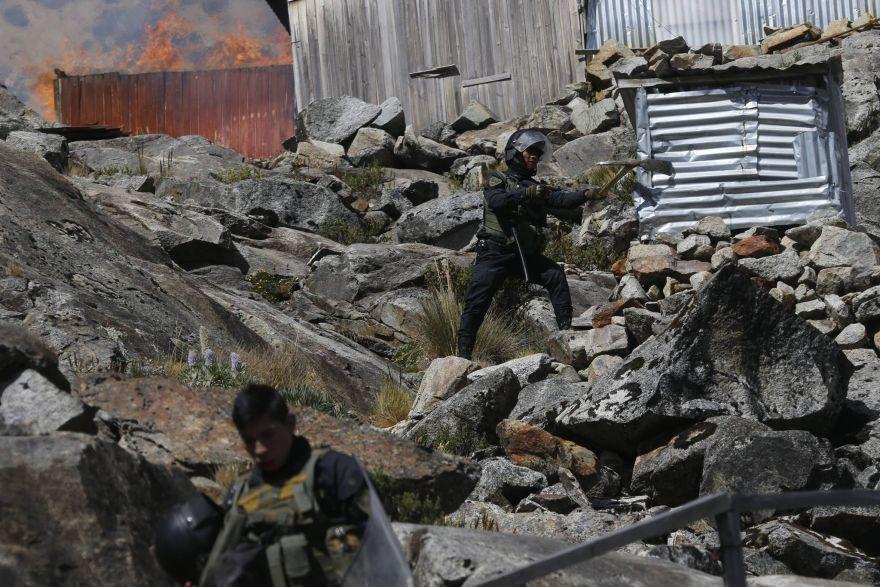 Después de seis años, las autoridades lograron llegar a la zona donde operan los mineros ilegales. (Dante Piaggio / El Comercio)
