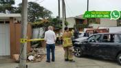Miraflores: chofer perdió control de auto y chocó contra casa