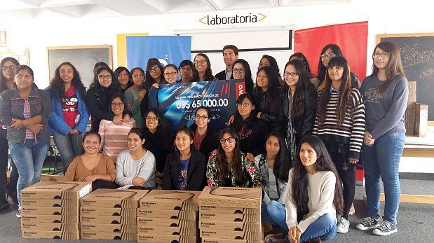 Desde su fundación Laboratoria ha formado 150 desarrolladoras web. Todas, mujeres de pocos recursos, entre los 18 y 30 años. (Foto: Cristina Fernández / El Comercio)