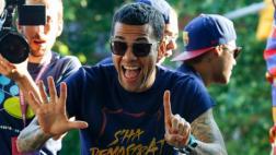 Dani Alves reveló en qué equipo jugará la próxima temporada