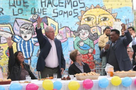 PPK compartió desayuno electoral en La Victoria [FOTOS]