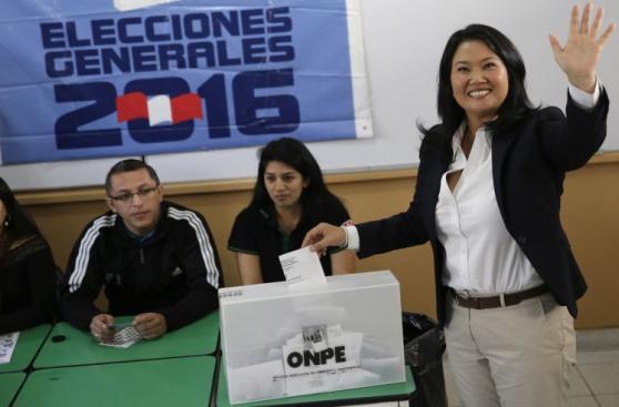 Así emitieron su voto Keiko Fujimori y PPK [FOTOS]