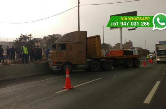 Conductor de trailer sufrió accidente en la Panamericana Sur