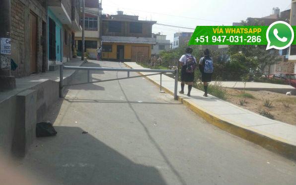 Vecinos se encuentran incómodos porque solo algunos tienen en su poder las llaves de tranqueras (Foto: WhatsApp El Comercio)