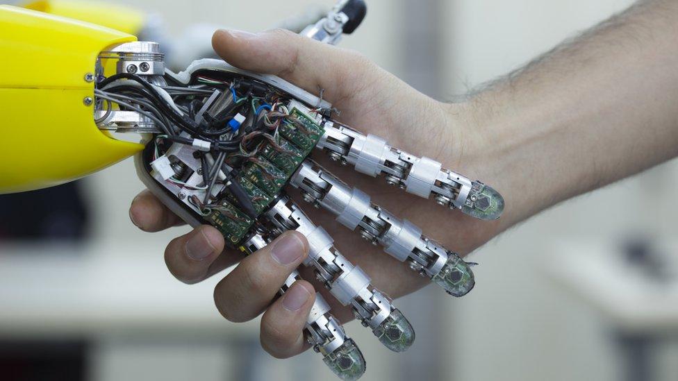Los robots, ¿amigos o enemigos? (BBC)
