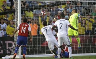 Colombia: Bacca abrió marcador ante Paraguay con este cabezazo