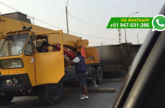 San Martín de Porres: camión se volcó en Av. Canta Callao