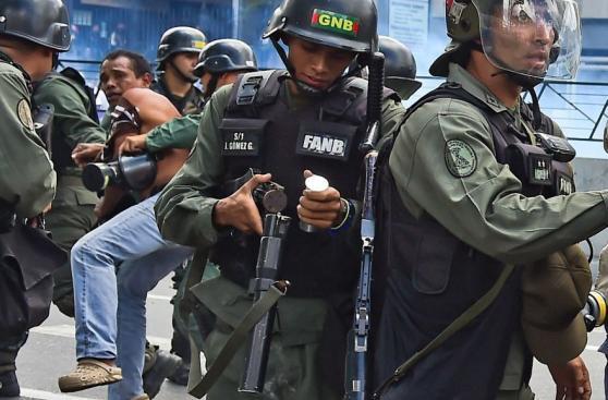 Las protestas por comida se trasladan a los barrios de Caracas