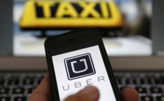 Francia multa a Uber por 800.000 euros ante servicio ilegal