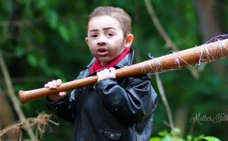 """""""The Walking Dead"""": fotógrafa de niños disfrazados se defiende"""
