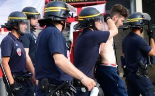 Hinchas ingleses y franceses causan disturbios en Marsella