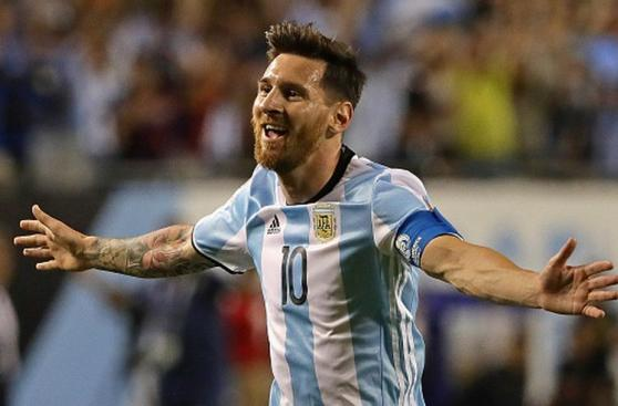 Messi vuelve a dejar la selección!!