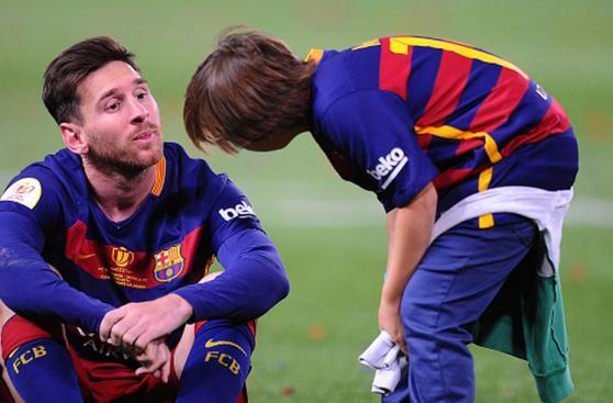 Lionel Messi: mira los 'looks' en su carrera deportiva [FOTOS]