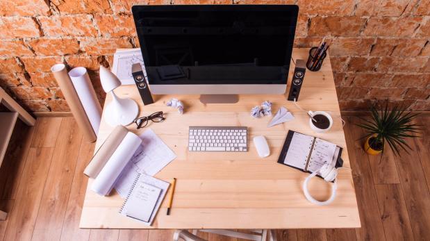 Consejos b sicos para decorar tu escritorio de la mejor for Decoracion de escritorios