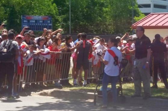 Selección peruana recibió aliento de hinchas en New Jersey