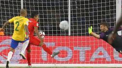 Ruidíaz reconoció que se ayudó con la mano en gol ante Brasil