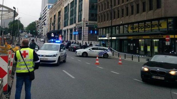 Bruselas mantiene un nivel de alerta 3 por posibles atentados terroristas. (Foto: Twitter: @seppeknapen)
