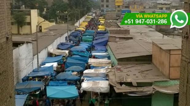 Así de abarrotada se encuentra calle en Independencia