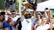 NBA: espectacular desfile de Cavaliers ante miles de fanáticos