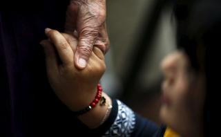 Condenan a francés que abusó de 66 menores en varios países