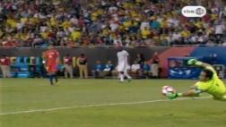 Colombia-Chile: la triple respuesta de Bravo en 10 segundos
