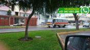 Surco: coaster utiliza carril de avenida como paradero inicial