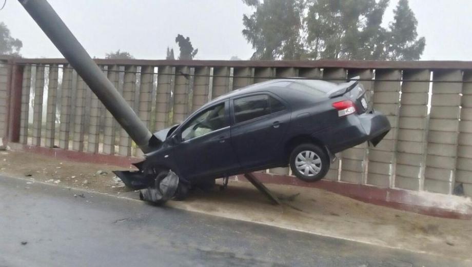 La Molina: cambio de poste derribado por auto aún no termina