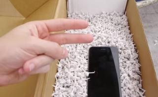 Esto pasa si lanzas un iPhone desde 30 metros con 2 mil cohetes