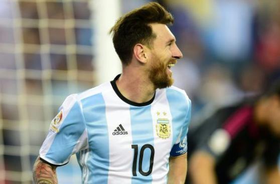 Lionel Messi cumple 29 años con una carrera repleta de éxitos