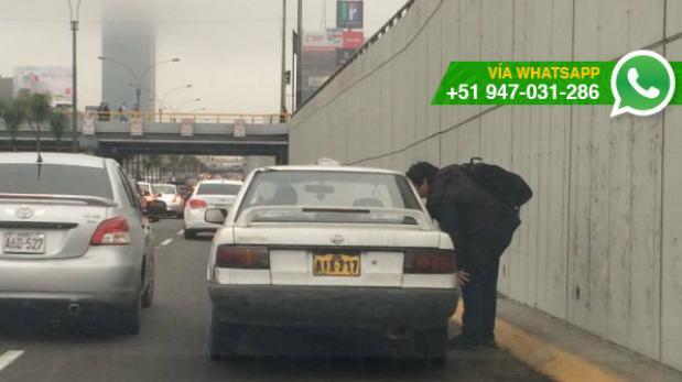 Hombre detiene tránsito en la Vía Expresa para pedir taxi