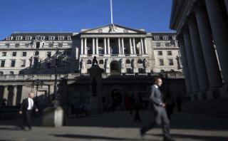 Banco de Inglaterra aplicará más recortes si economía empeora