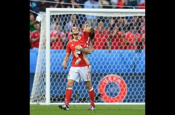 Gareth Bale: el tierno momento con su hija en Eurocopa 2016