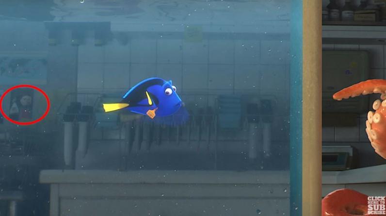 """Darla, temida la niña que torturaba a los peces del dentista en """"Buscando a Nemo"""" --en Australia-- aparece en el acuario de """"Buscando a Dory"""" --en California. (YouTube)"""