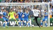 Eurocopa: Boateng marcó con genial volea para Alemania