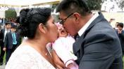 Celebran primera boda masiva de choferes del Metropolitano