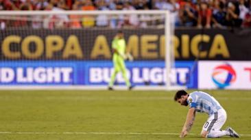 Lionel Messi anunció que no seguirá en la selección argentina
