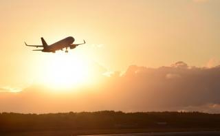 ¿Por qué los viajes en avión duran más ahora que antes?