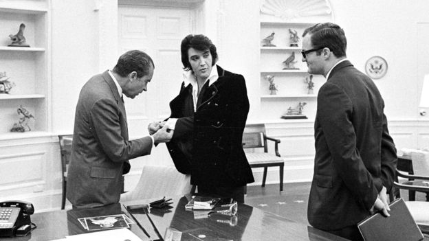Bud Krogh (der.) era un asistente del presidente Nixon que coordinó el encuentro.  (Foto: Reuters)