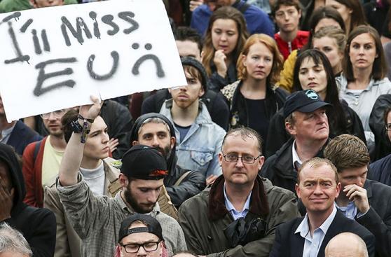 Miles de personas protestan en Londres contra el 'brexit'
