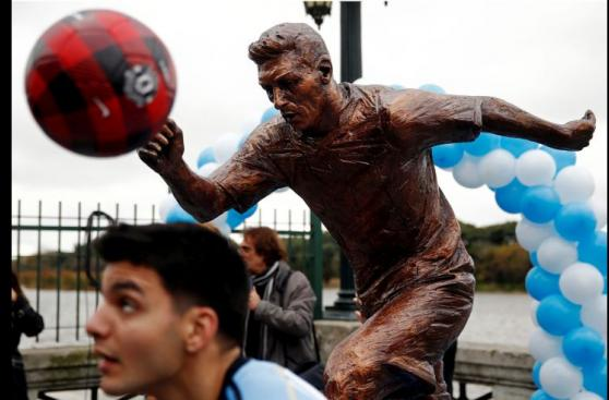 Lionel Messi: inauguran estatua homenaje en Buenos Aires