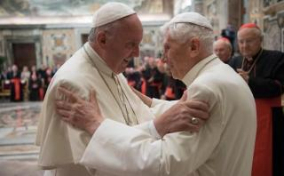 Francisco celebra los 65 años de ordenación de Benedicto XVI