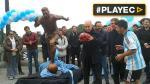 Con estatua como homenaje piden a Messi no dejar la albiceleste - Noticias de gabriela perez