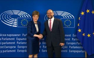 """Escocia busca quedarse en la Unión Europea tras el """"Brexit"""""""