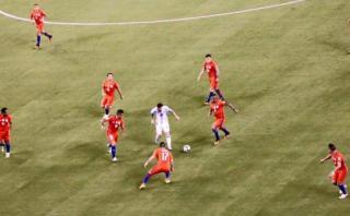 """La verdad sobre la foto viral de """"Messi solo contra el mundo"""""""