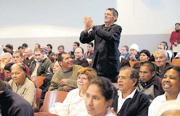 Muchos de los internos del hospital Larco Herrera escucharon música clásica por primera vez. (Juan Ponce/ El Comercio)