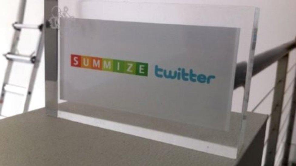 En 2008, Twitter compró Summize, dando a sus usuarios la posibilidad de consultar tendencias dentro del sitio.