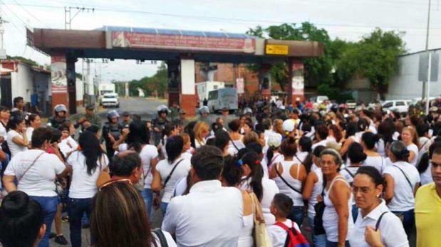 Marea humana pide revocatorio de Maduro en Venezuela | Blog al día de Venezuela Base_image