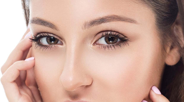 Logra unas cejas perfectas en solo 30 segundos belleza vi - Hacerse las cejas en casa ...