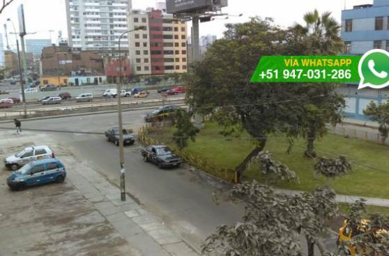 La Victoria: conductores usan pista como zona de descanso