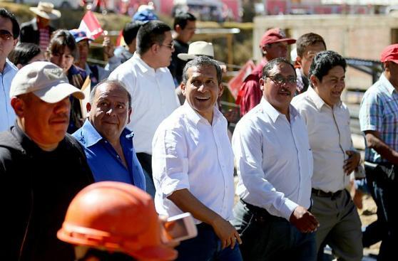 Ollanta Humala inauguró obras viales en Huancavelica [FOTOS]
